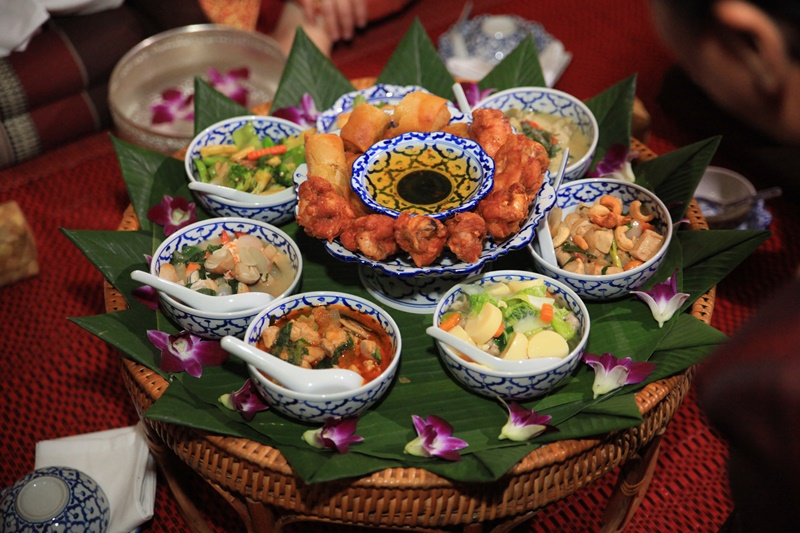 A thai wedding feast menu thailand weddings a thai wedding feast menu junglespirit Image collections